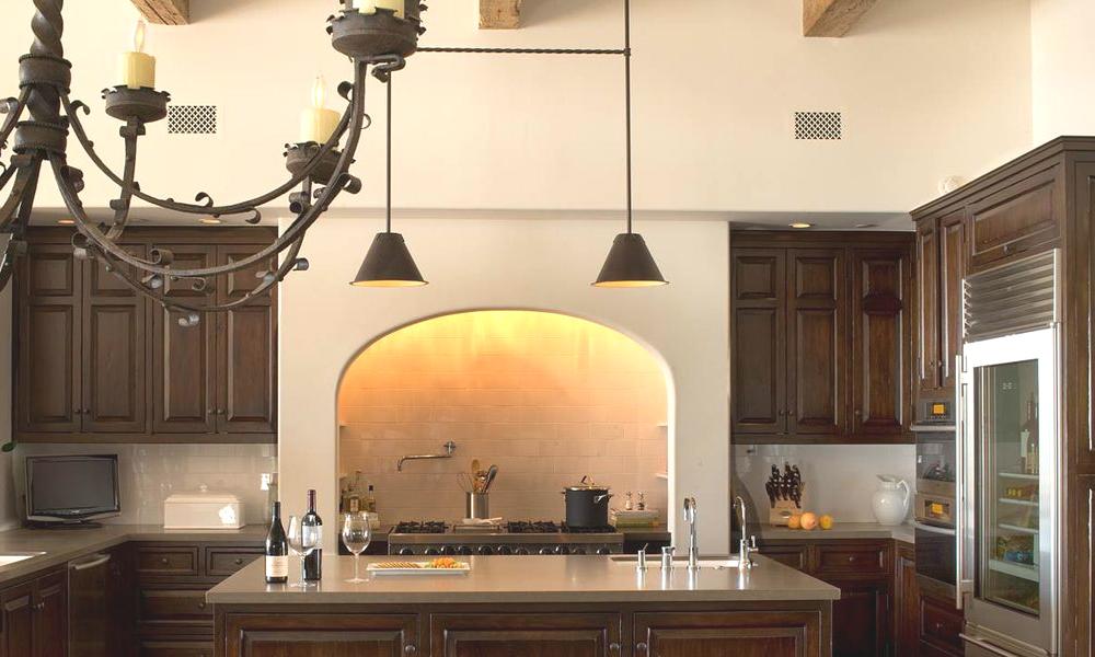 Кухня в колониальном стиле
